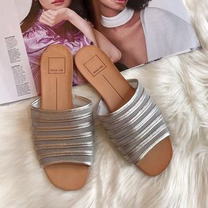 Dolce Vita Silver Leather Sandals Flats 8.5